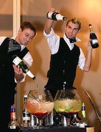 Small barmen show 2