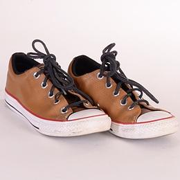 Tenisi - Converse