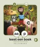 aap leest een boek