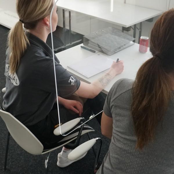 Schule Schutzwand / Trennscheibe Schulbank