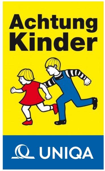 Achtung Kinder Tafel (2 laufende Kinder) mit Uniqa Banderole