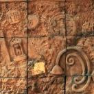 Szobaszinteket jelölő kerámia domborművek