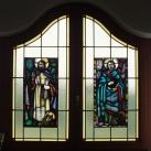 A Szent István Király Plébániatemplom emeleti, dél-keleti termének üvegablaka