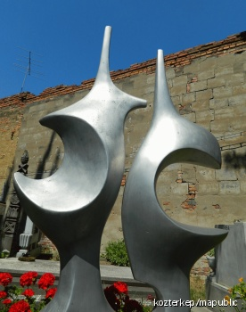Kulcsár Béla szobrászművész síremléke