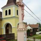 Bagolai feszület Madonna szoborral
