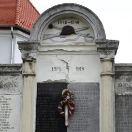 I. és II. világháborús és 1848-as emlékmű
