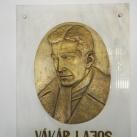 Vákár Lajos domborműves emléktáblája