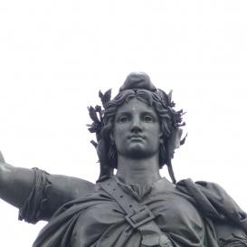 Köztársaság-szobor a Köztársaság-emlékművön