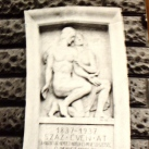 Nemzeti Színház domborműves emléktábla