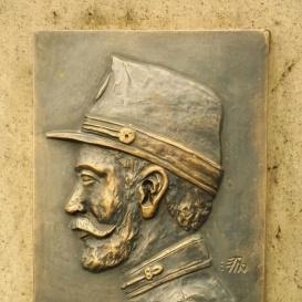 Kis Ferenc ezredtrombitás domborműve
