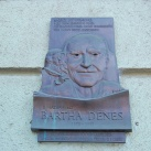Bartha Dénes domborműves emléktáblája