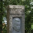 József Attila-emlékoszlop