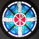 A Szent István Király Plébániatemplom szentélyének üvegablakai
