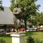 Kenyérszegő-szobor