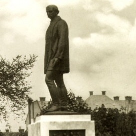 Gróf Szapáry Gyula szobra