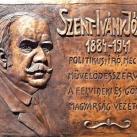 Szent-Ivány József domborműves emléktábla