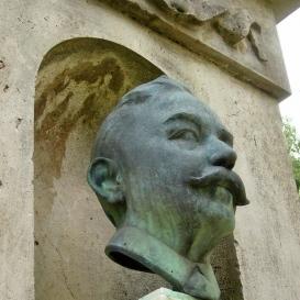 Baksay Sándor-emlékmű