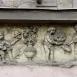 Batthyány tér 3. reliefek