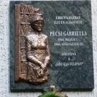 Pécsi Gabriella-emléktábla