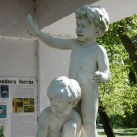 A kékkúti ásványvíz fiúcskái