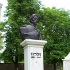 Petőfi-mellszobor