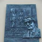 Pavol Strauss domborműves emléktábla