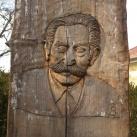 Kupi Ferenc-emlékoszlop