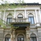 Villa épületszobrai
