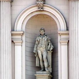 George Stephenson (A Keleti pályaudvar homlokzatát díszítőszobor 2.)