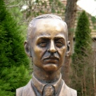 Barthos Gyula mellszobra
