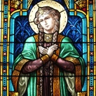 A Mindenkor Segítő Szűz Mária plébániatemplom jobb oldali üvegablakai