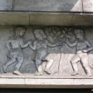 A Kerepesi úti lakótelep bejárat díszei - reliefjei