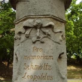 Schmöltz Leopold emlékoszlopa