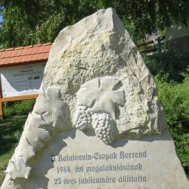 Balatonvin-Csopak Borlovagrend-emlékkő