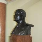 Varga József dr. mellszobra
