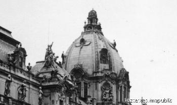 A Budavári Palota egykori kupolájának szobordíszei