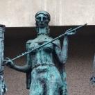 Madách Színház épületdíszítő szobrai 1.
