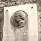 Semmelweis Ignác domborműves emléktábla