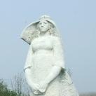 Szlovák nő szobra