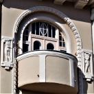 Szépség és Hiúság, Bogenrieder palota épületdíszei
