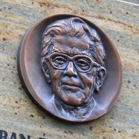 Bulányi György-emléktábla
