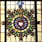 Szent József-plébániatemplom üvegablakai
