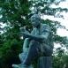 Olvasó munkás-szobor
