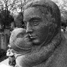 Szeretet - Palatinus Viktória és Dabóczi Mihály síremléke