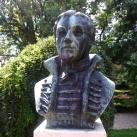 Pethe Ferenc mellszobra
