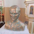 Szent II. János Pál pápa-mellszobor
