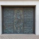 Szent Péter és Pál templom bronzkapuja