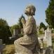 Borsányi Ilonka síremléke - Térdelő angyal