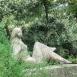 Támaszkodó-szobor