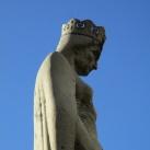 Szent Hedvig szobra